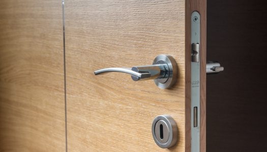 Stappenplan bij het monteren van een deurklink