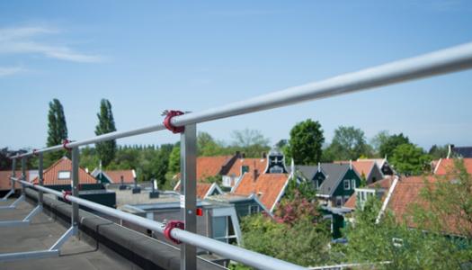 Alles wat je moet weten over dakrandbeveiliging